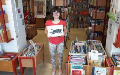 Intervju z učenko o delovnem usposabljanju v knjižnici